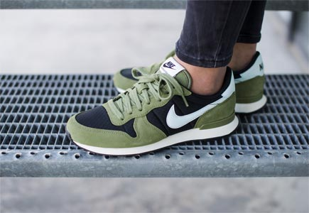 nike internationalist mid groen