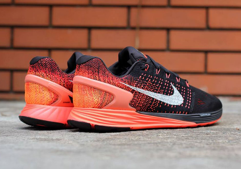 ce1b7f2d98986 Nike Lunarglide 7   Nike Sneakers Online at Best Prices ...