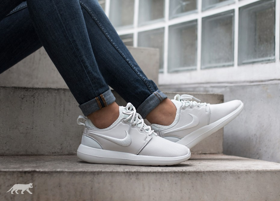 a07e5efa435c Nike Roshe Two   Nike Sneakers Online at Best Prices